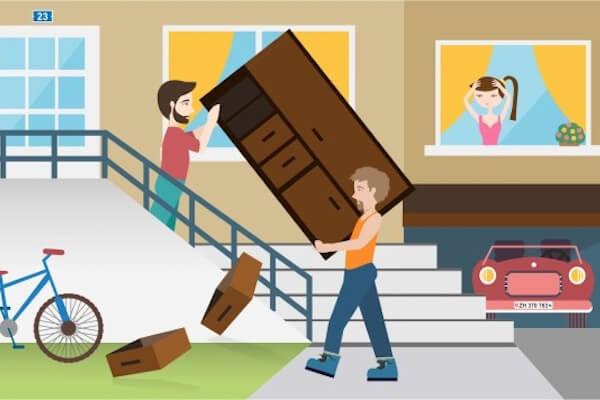 Schubladen fallen beim Umzug aus dem Schrank