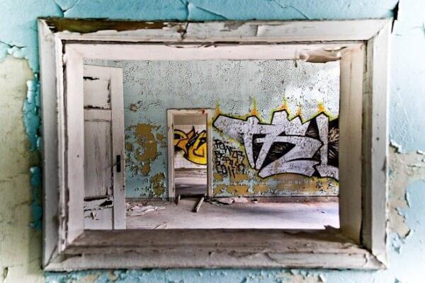 Mietschäden: Kaputte und bemalte Wände