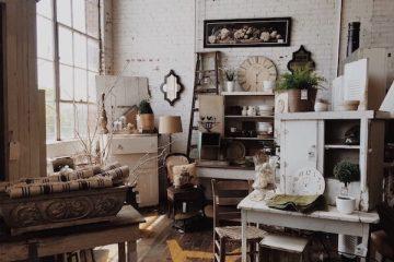 Verschiedene Vintage Möbel in einem Raum