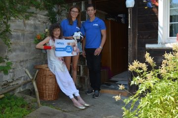 Movu Mitarbeiter mit Frau Amstad in Appenzell