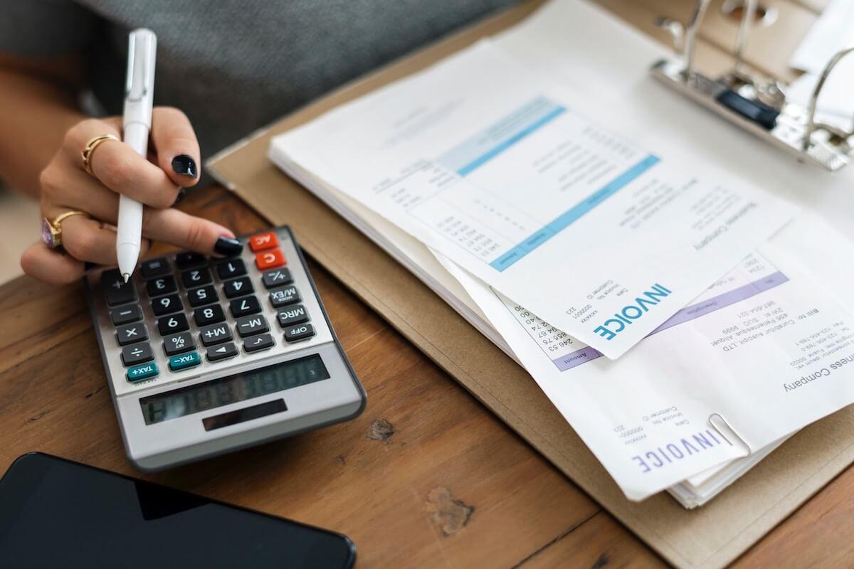 Nebenkosten berechnen mit dem Taschenrechner