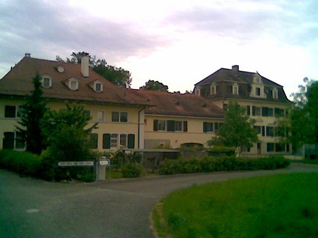 Gebäude Klein-Riehen auch Bäumlihof genannt. Es handelt sich um eine gemeinnützige Schweizer Stiftung.