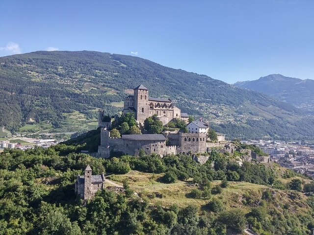 Château de la Valère sur la colline de Sion.