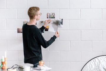 Avec une bonne préparation, vos photos et tableaux tiendront très longtemps accrochées au mur.