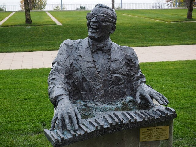 Statue of Ray Charles in Montreux.