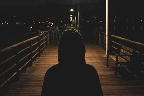 Un cambrioleur dans la nuit,