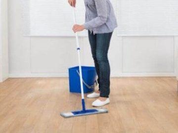 Nettoyer possible : se mettre au travail pour nettoyer le sol